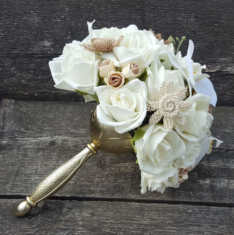 Bruidsboeket met rozenkrans