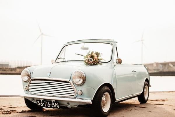 witte mini austin bruidswagen