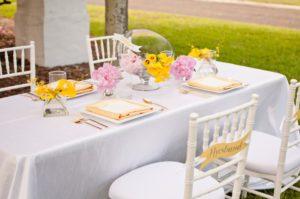 Roze-geel-thema-bruiloft