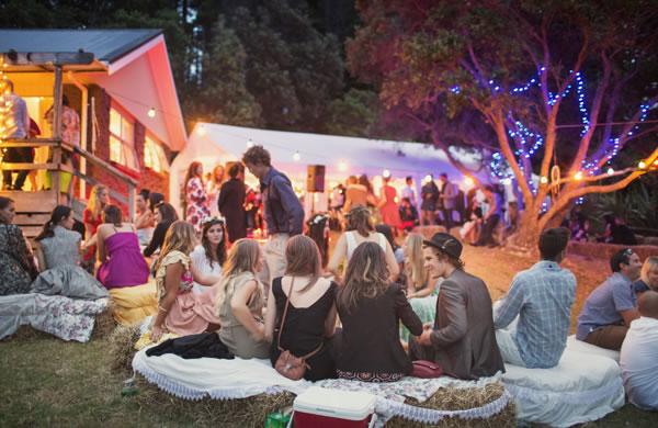 Een festival bruiloft