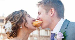 Een donuts bruidstaart
