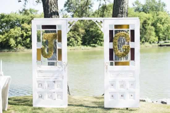 Decoraties met deuren bruiloft