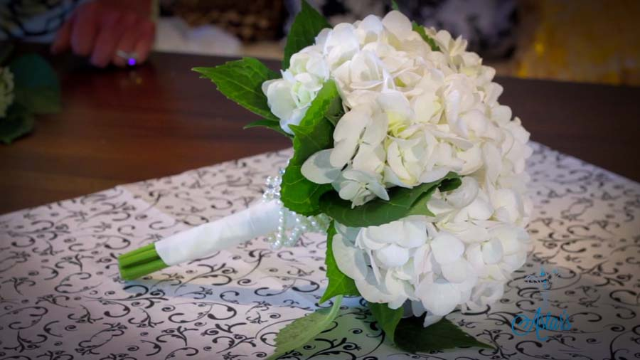 Bruidsboeket met hortensia