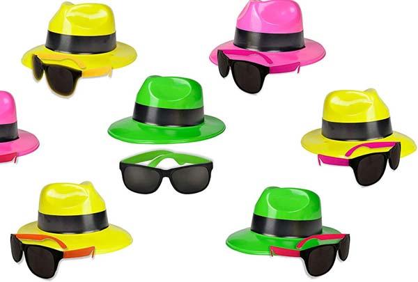 Zonnebrillen en hoedjes